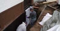 Arbeiten in Drainage für Kellerwandabdichtung